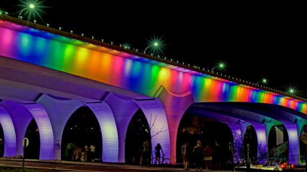 i-35w-lit-with-rainbow-colors-to-honor-victims-of-orlando-shooting